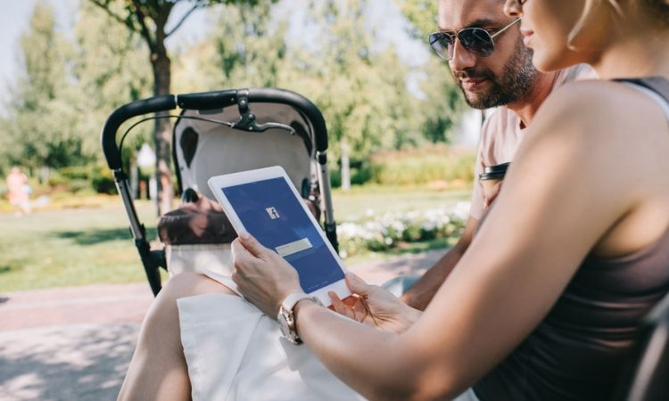 facebook vídeo pareja padres