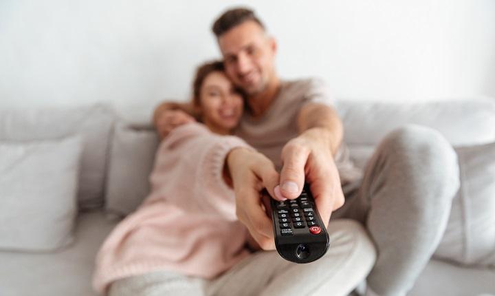 El mercado de TV conectada en Chile ascendió a 3,27 millones de suscriptores en Chile durante 2020 (Subtel)